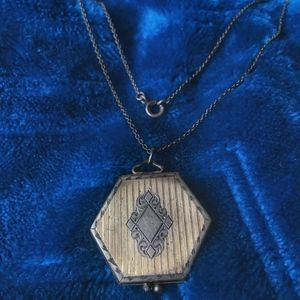 Jewelry - VINTAGE LOCKET Victorian Revival style NECKLACE